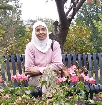 mom in park